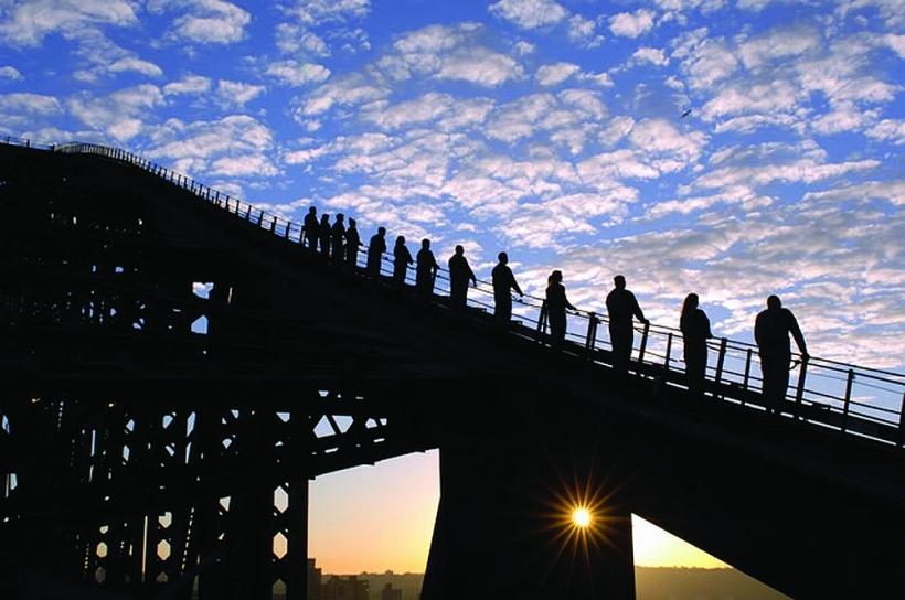 Sydneyben legális a hídmászás