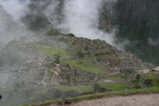 Machu Picchu előbukkan a hajnali párából